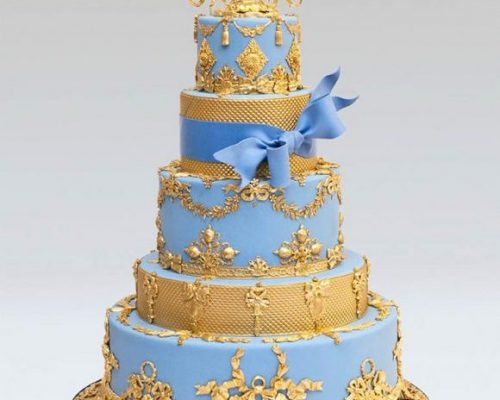 """Would You """"Bling"""" Your Wedding Cake?"""